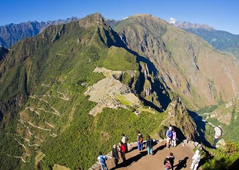 Caminata en la montaña Machu Picchu