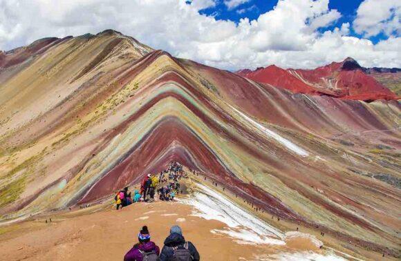 Transporte Turístico a la Montaña de Colores Perú